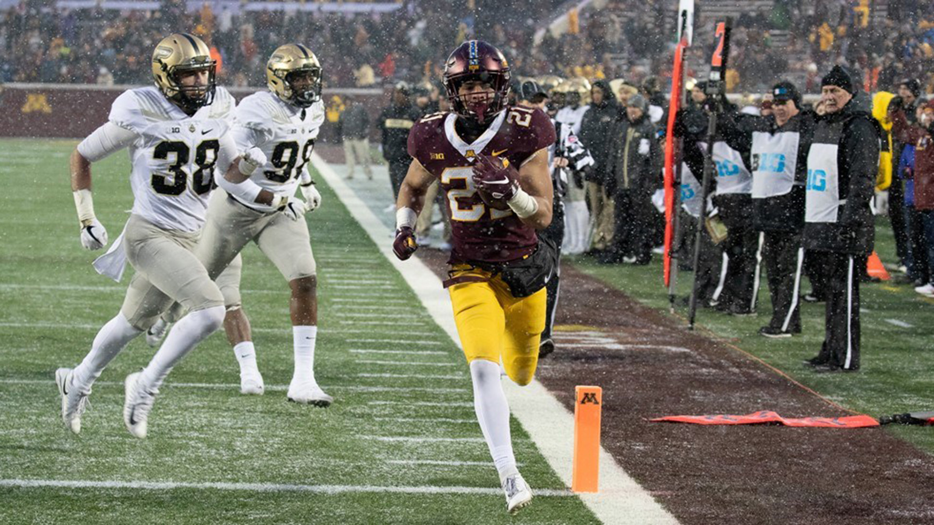 Bryce Williams eludes tackles to score against Purdue