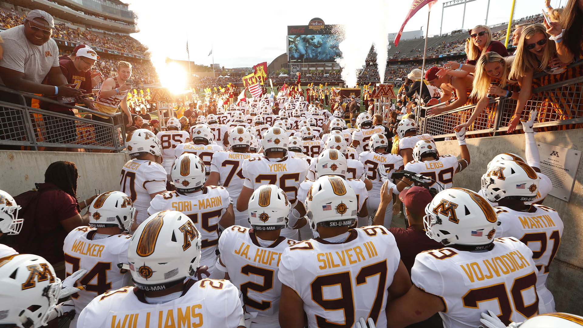Watch: 2018 Gopher Football Intro Video - University of
