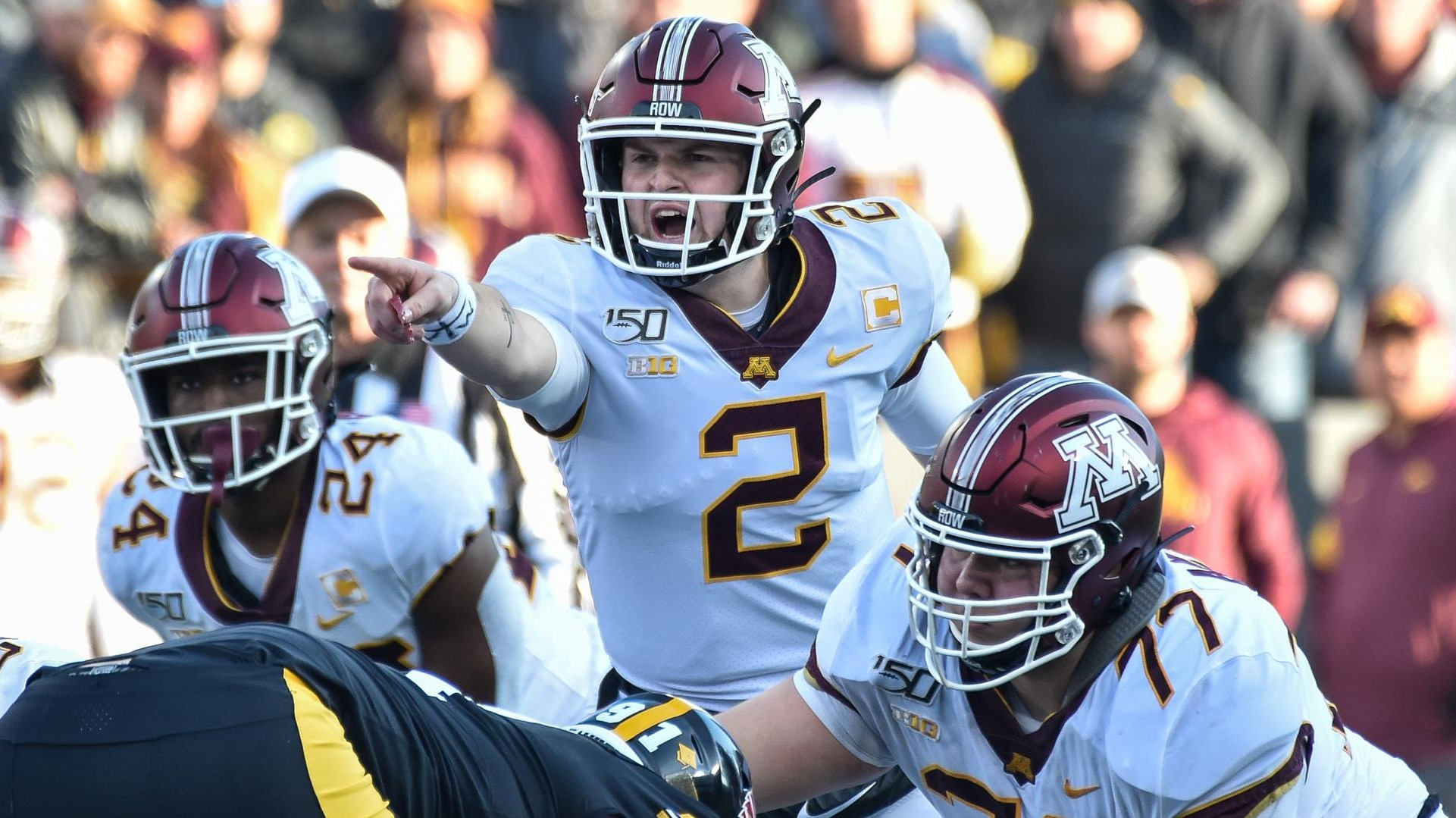 Gophers Drop First Game At Iowa 23 19 University Of