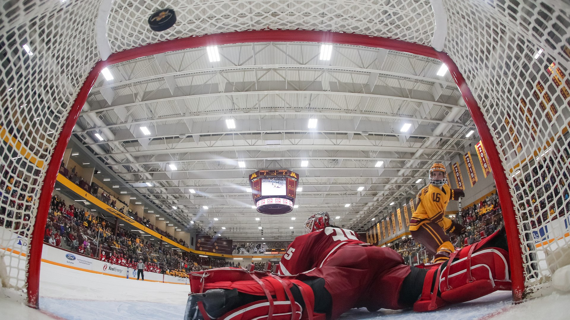 Gophers Take Five Points from Badgers