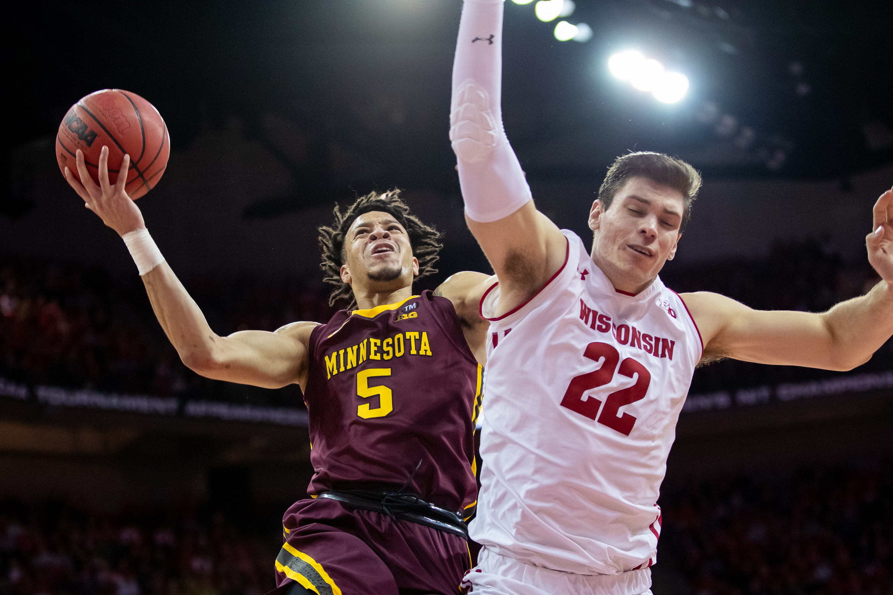 337b3037c Gophers Host 19th-Ranked Badgers in Border Battle - University of ...